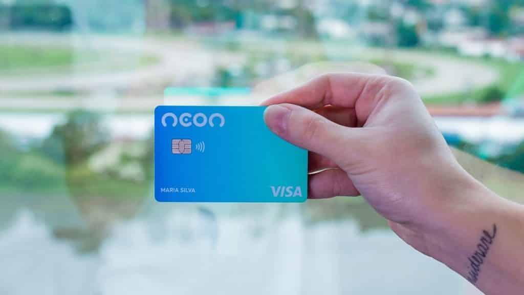 Neon é cartão de crédito ou débito