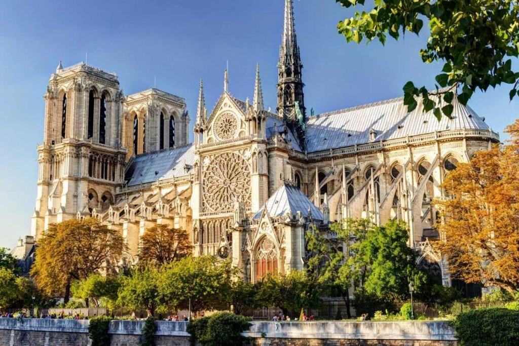 Basílica de Notre-Dame cidades para intercambio no Canadá